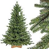 FairyTrees Weihnachtsbaum künstlich BAYERISCHE Tanne Premium, Material Mix aus Spritzguss & PVC, inkl. Holzständer, 150cm, FT23-150